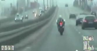 Pędził ponad 200 km/h trasą Siekierkowską