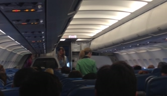 Górniak w samolocie: