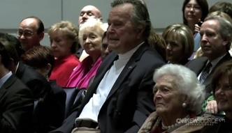 George H.W. Bush w szpitalu z powodu urazu szyi
