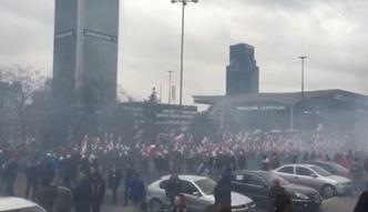 Kilkanaście tysięcy uczestników Marszu Niepodległości w Warszawie