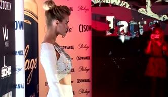 Joanna Krupa w biało-srebrnej sukni na pokazie Kupisza
