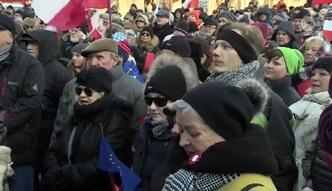 """""""Kto nie skacze, ten jest z Dudą"""". Demonstracja anty-PiS w Poznaniu"""