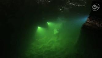 Przeszukują jezioro w kopalni soli w Wieliczce