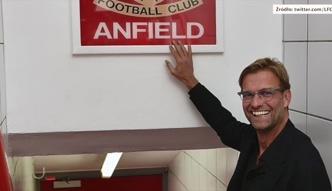 Juergen Klopp zakazał piłkarzom dotykania legendarnego napisu ?This is Anfield?