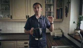 Dlaczego woda w czajniku szumi?  [Nauka. To lubię.]