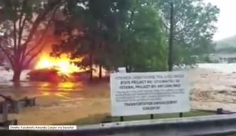 Powódź zmyła płonący dom w Wirginii Zachodniej