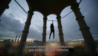 Rosjanin zachwyca akrobacjami na dachach wieżowców