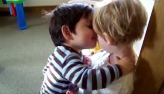 Pierwszy pocałunek. Niektórzy chcą o nim zapomnieć