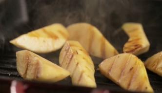 #mniammniam Sałatka z grillowanymi gruszkami