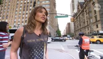 Herbuś spaceruje po Nowym Jorku z kamerami TVN-u.