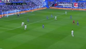 Ronaldo zmarnował rzut karny, ale ustrzelił hat-trick! Real zbił Deportivo. Zobacz skrót [ZDJĘCIA ELEVEN]