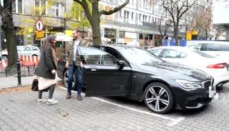 Rusin zachwyca się nowym samochodem Martyny Wojciechowskiej.