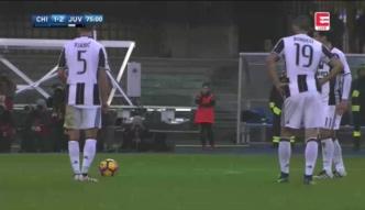Trwa seria Juventusu.