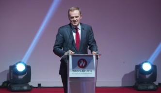Donald Tusk: demokracja, w której pozbawia się ludzi dostępu do informacji, staje się nieznośna jak dyktatura