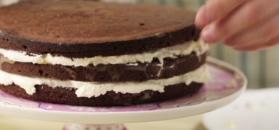 Tort czekoladowy z mascarpone i owocami