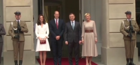 Powitanie książęcej pary przed Pałacem Prezydenckim