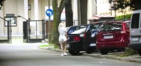 Margaret nie potrafi zaparkować swojego Mustanga