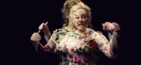 #dziejesiewkulturze: Adele zaprosiła ofiary pożaru na pokaz