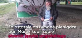 Niezwykły bezdomny. Kocha polską literaturę, sam pisze wiersze i uczy się języków