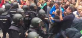 Starcie policjantów ze uczestnikami referendum w Katalonii