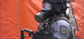 Policja i straż walczą z atakiem biologicznym. Ćwiczenia w Berlinie