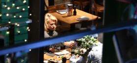 Wstrzemięźliwy Szyc zabrał dziewczynę na sushi