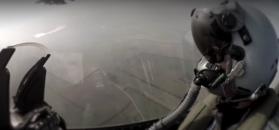 Sprawdziliśmy, co dzieje się z ciałem pilota po katapultacji