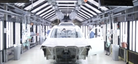 Nowe BMW X7 na pierwszych, oficjalnych materiałach. Produkcja już trwa