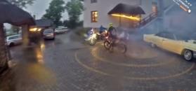 Wjechali motocyklami do domu weselnego. Goście państwa młodych byli zaskoczeni