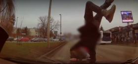 Wypadek w Krakowie. Nastolatek wbiegł pod samochód