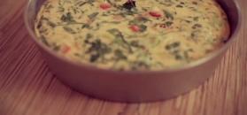 Puszysty omlet. Przepyszna konkurencja dla jajecznicy