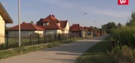 Latarnie oświetlają pole i las. To mogło wydarzyć się tylko w Polsce