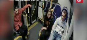 Wandal w autobusie. Policja szuka mężczyzny z nagrania