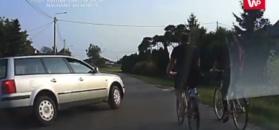 Brawura na wsi. Omal nie potrącił rowerzystów