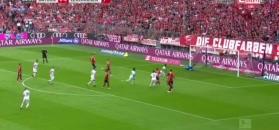 Bundesliga: Neuer obronił karnego, ale sędzia zarządził powtórkę. Bandycki faul Bellarabiego