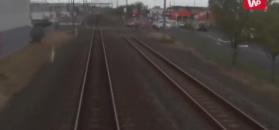 Sygnał nadjeżdżającego pociągu i opuszczone barierki. Dla niektórych to nic nie znaczy