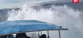 Wieloryb omal nie przewrócił łodzi. Nagranie świadka