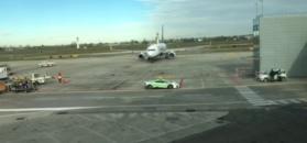 Na lotnisku w Bolonii samoloty prowadzi lamborghini huracan