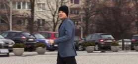 Mroczek wstydzi się założyć czapkę przed paparazzi