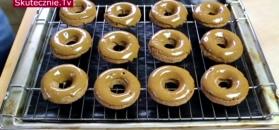 Cynamonowe donuty z lukrem kawowym