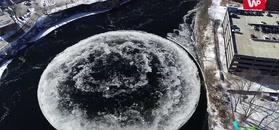Wirujący lód. Niesamowite zjawisko na rzece w USA