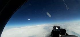 Su-27 przechwytuje szwedzkiego Gulfstreama