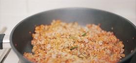 Domowy makaron z trzema sosami. Szybki obiad