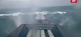 Ale musiało bujać. Nagranie z HMS Sutherland