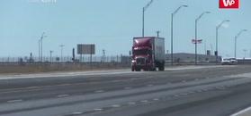 Zdmuchnęło ciężarówkę. Nagranie z Teksasu