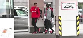 Szczęsny gimnastykuje się na treningu przed meczem z Austrią
