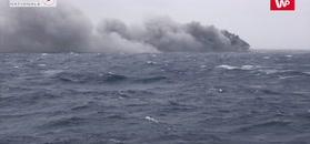 Oczyszczanie morza po zatonięciu kontenerowca