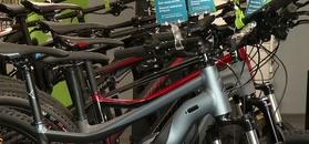 Rośnie sprzedaż rowerów elektrycznych i gravelowych