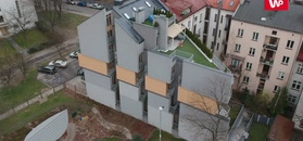 Nietypowa inwestycja w Krakowie. Można podglądać sąsiadów