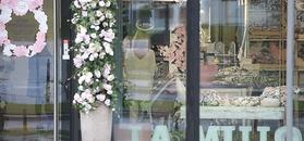 Małgorzata Rozenek buszuje po sklepie z dziecięcymi akcesoriami